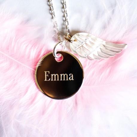 Collier personnalisé gravé prénom en argent et aile d'ange en nacre
